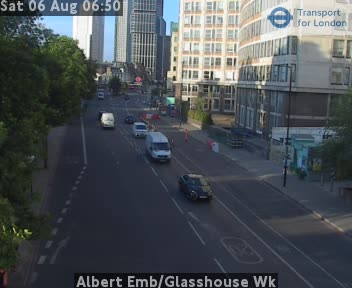 Albert Embankment / Glasshouse Walk traffic camera.