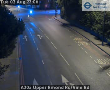 A205 Upper Richmond Road / Vine Road traffic camera.