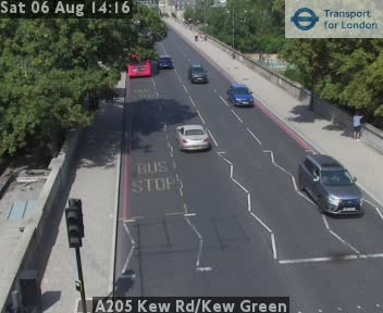 A205 Kew Road / Kew Green traffic camera.