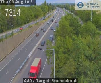 A40  /  Target Roundabout traffic camera.