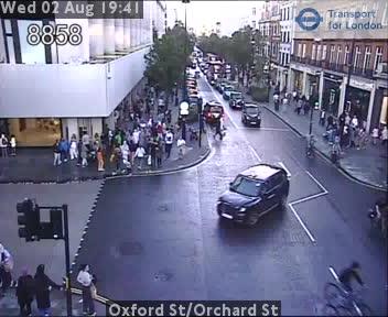 Oxford Street / Orchard Street traffic camera.