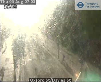 Oxford Street / Davies Street traffic camera.
