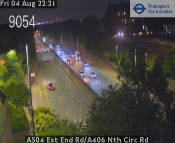 A504 Est End Road / A406 North Circ Road traffic camera.