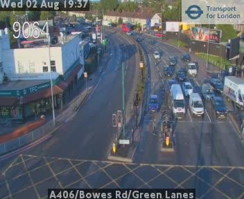 A406 / Bowes Road / Green Lanes traffic camera.