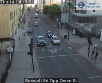 Goswell Road Opp Owen Street traffic camera.
