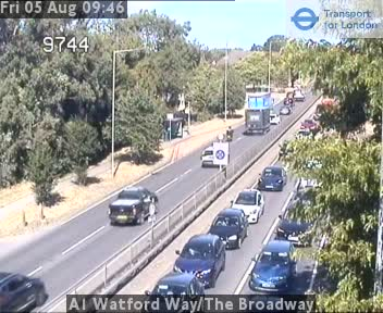 A1 Watford Way / The Broadway traffic camera.