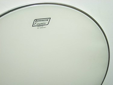 "LUDWIG 28"" Timp Head, Reg Collar, White (29"" od)"