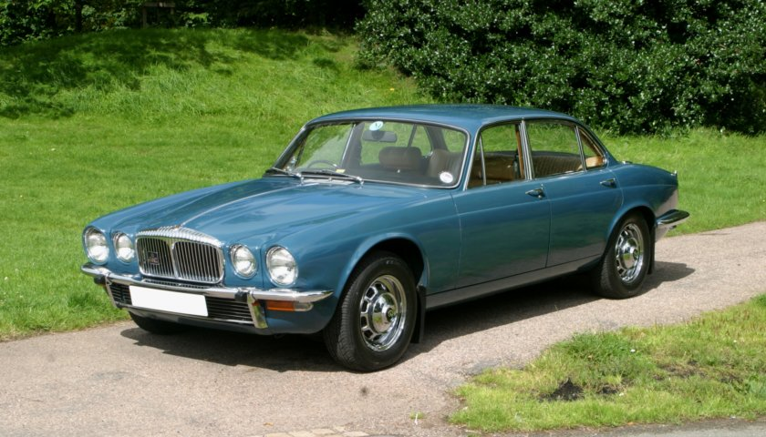 Xj Series 2 3 4 4 2 Litre Saloon