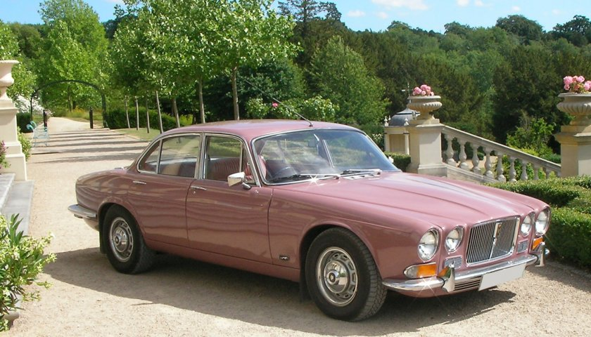 Xj12 Series 1 Saloon