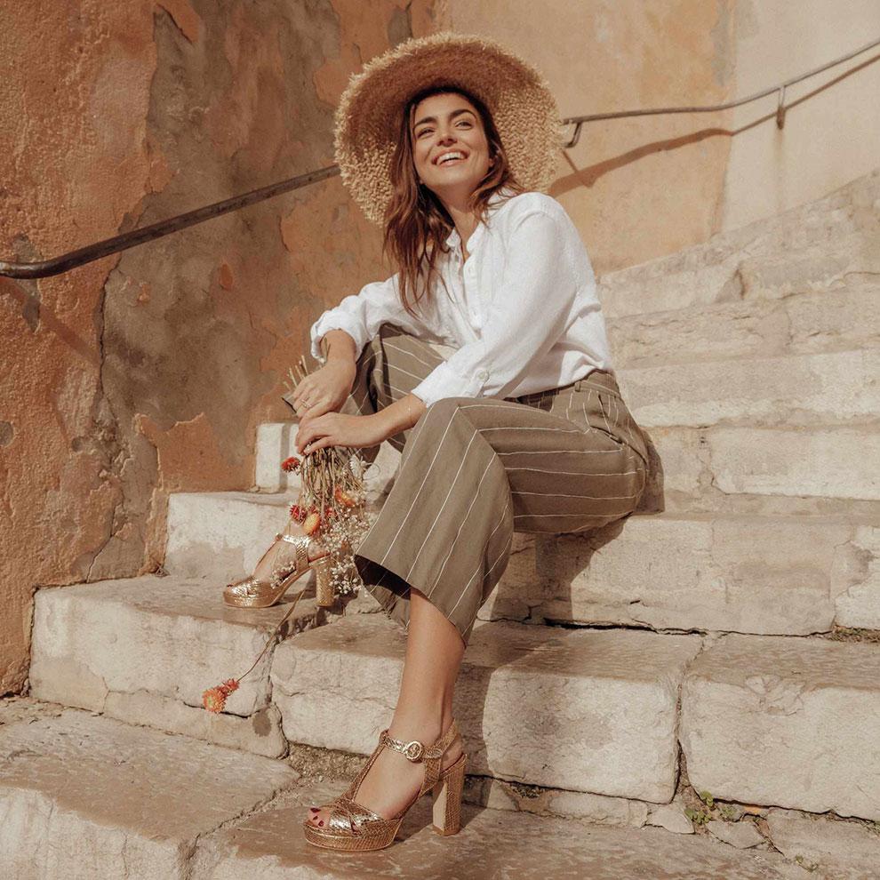 Cérémonie : sandales en cuir python doré Les Venues