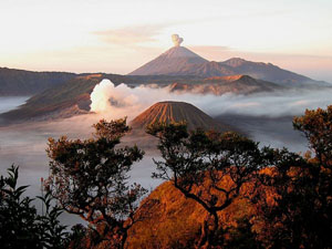 mount-semeru-east-java_31617_600x450