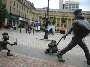 Desperate Dan's statue