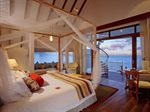 Hotel-CENTARA-GRAND-ISLAND-RESORT-AND-SPA-ARI-ATOLL-MALDIVE
