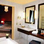 Hotel-DU-LOUVRE-PARIS-FRANTA