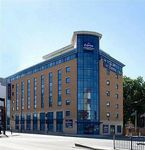 HOLIDAY-INN-EXPRESS-STRATFORD