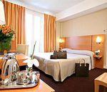 HOLIDAY-INN-GARDEN-COURT-PARIS-MONTMARTRE-6