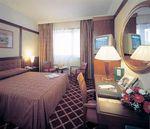 Hotel-NH-VILLA-CARPEGNA-ROMA-ITALIA