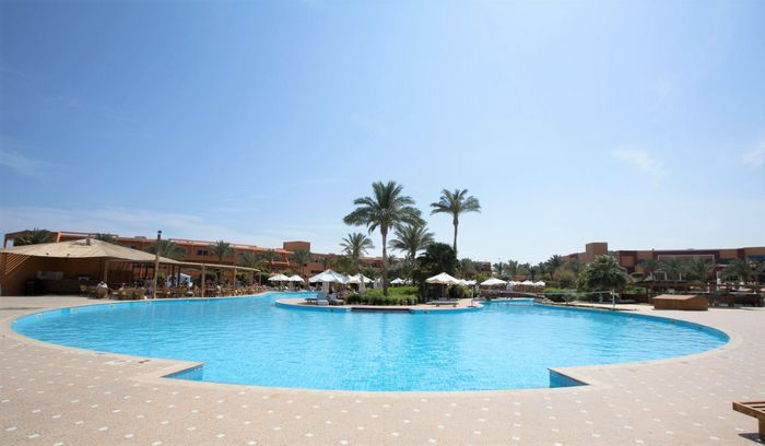 AMWAJ OYOUN RESORT & CASINO 8