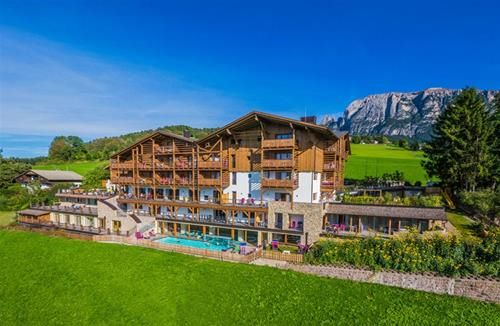 EMMY DOLOMITES FAMILY RESORT