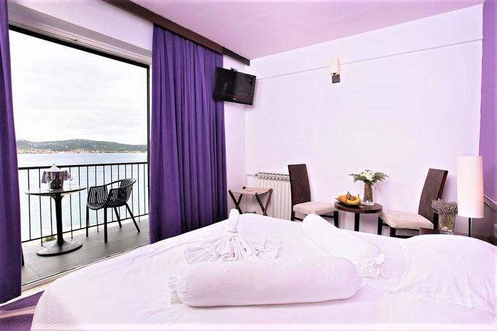 Hotel ADRIATIC Dalmatia de Nord CROATIA