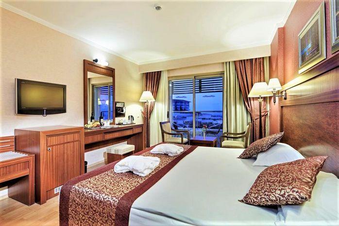 Hotel ALBA ROYAL SIDE