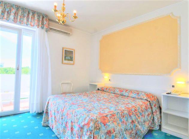 Hotel AMBASSADOR MEUBLE BIBIONE