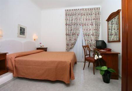 Hotel ARENULA ROMA ITALIA