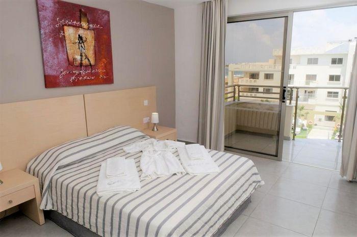 Hotel CAPITAL COAST RESORT AND SPA PAPHOS