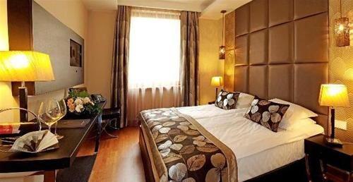 Hotel CONTINENTAL ZARA