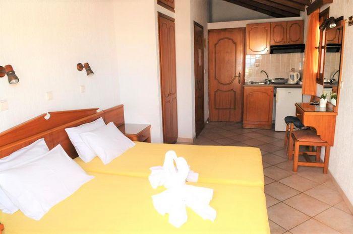Hotel DESPINA STUDIOS