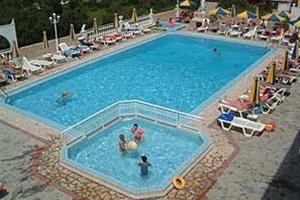 Hotel FAMILLY INN