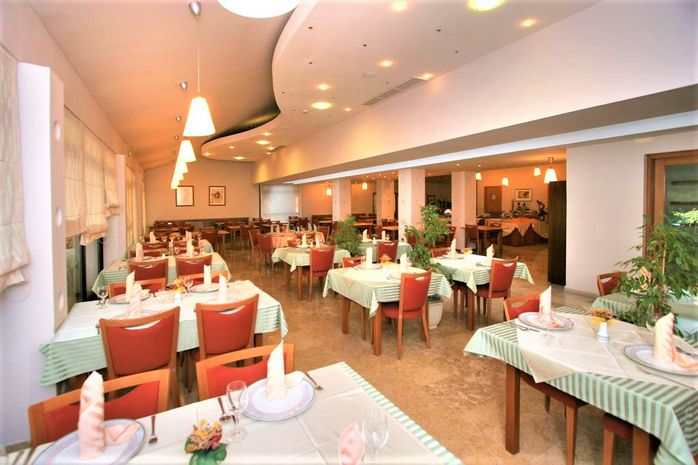 Hotel FLORES Porec CROATIA