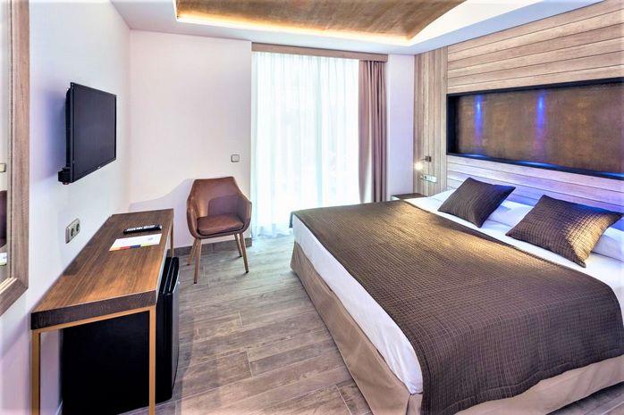 Hotel GHT NEPTUNO Tossa de Mar SPANIA