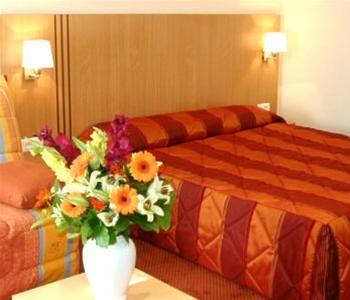 Hotel IDEAL PARIS FRANTA