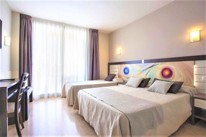 Hotel INDALO PARK Santa Susanna SPANIA