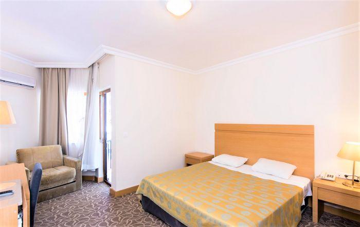 Hotel LARISSA AKMAN PARK
