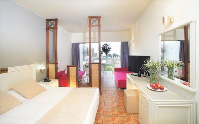 Hotel LEONARDO LAURA BEACH AND SPLASH PAPHOS CIPRU