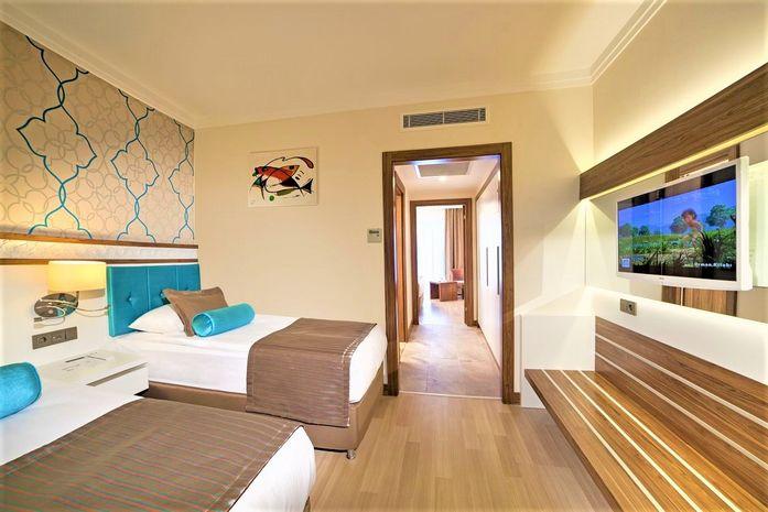 Hotel LUNA BLANCA RESORT AND SPA