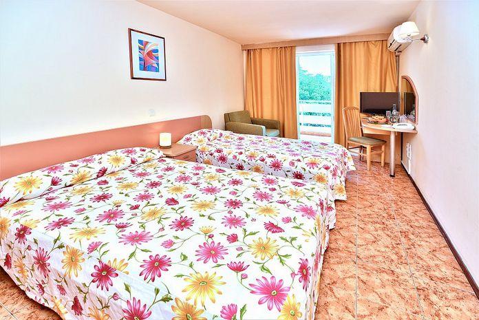 Hotel MALIBU ALBENA
