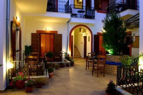 Hotel MAROUSSO