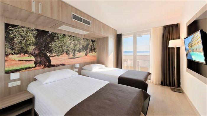 Hotel MEDORA AURI FAMILY BEACH RESORT Podgora CROATIA