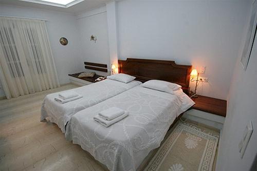 Hotel RENOS VILLA SANTORINI GRECIA