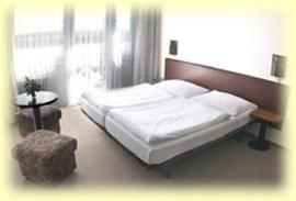 Hotel RHEA