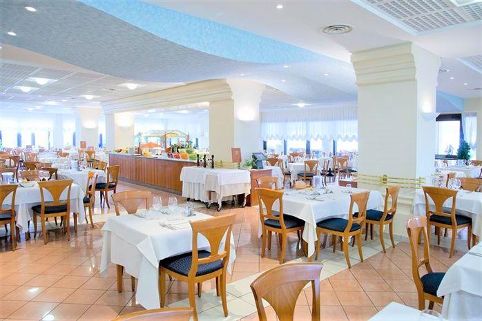 Hotel SAVOY BEACH BIBIONE ITALIA