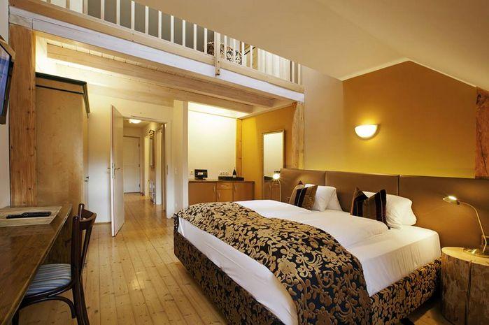 Hotel SCHLOSS MONDSEE SALZBURG LAND AUSTRIA