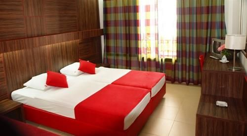 Hotel SLOVENSKA PLAZA BUDVA MUNTENEGRU