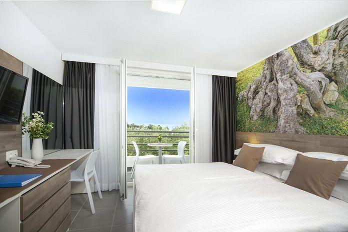 Hotel SMARTLINE BLUESUN NEPTUN Tucepi CROATIA