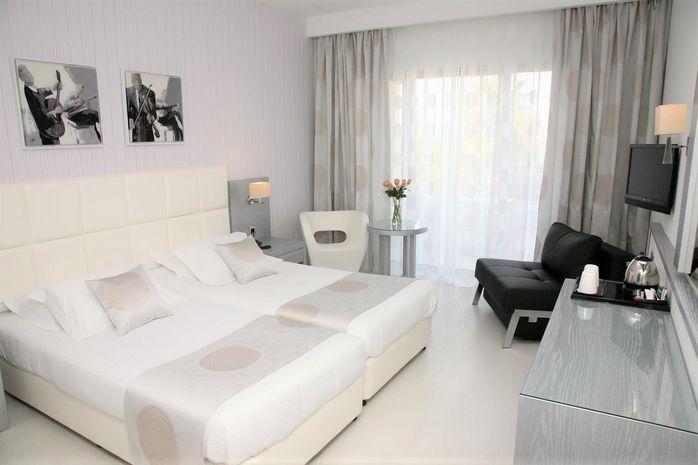 Hotel ST. GEORGE PAPHOS