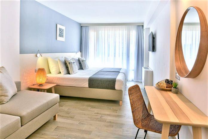 Hotel iHOTEL