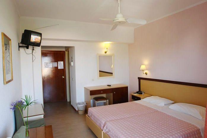 Hotel LIVADI NAFSIKA CORFU GRECIA